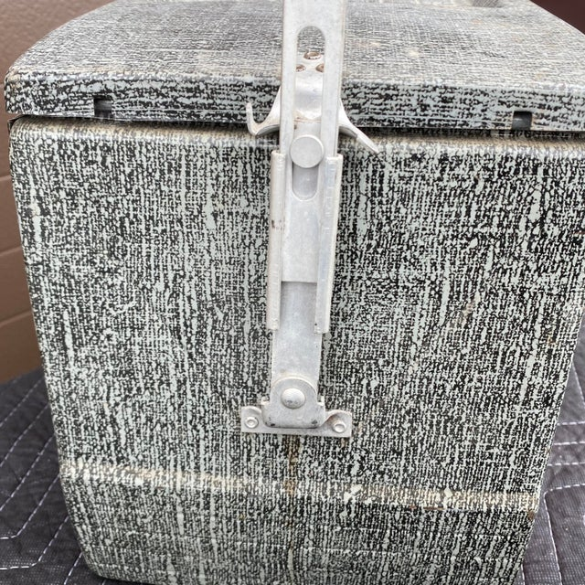 1950s Flamingo Insulated Ice Chest Cooler For Sale - Image 12 of 13