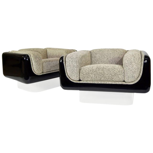 William Andrus for Steelcase Lounge Chairs - A Pair For Sale