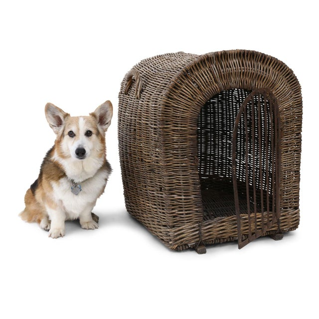 English wicker dog kennel or pet carrier (circa 1900-1910): rare large scale and in good condition. Forged iron door and...