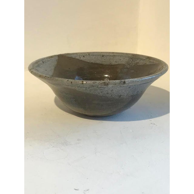 Lovely small bowl with gorgeous neutral colors- perfect for fruit!