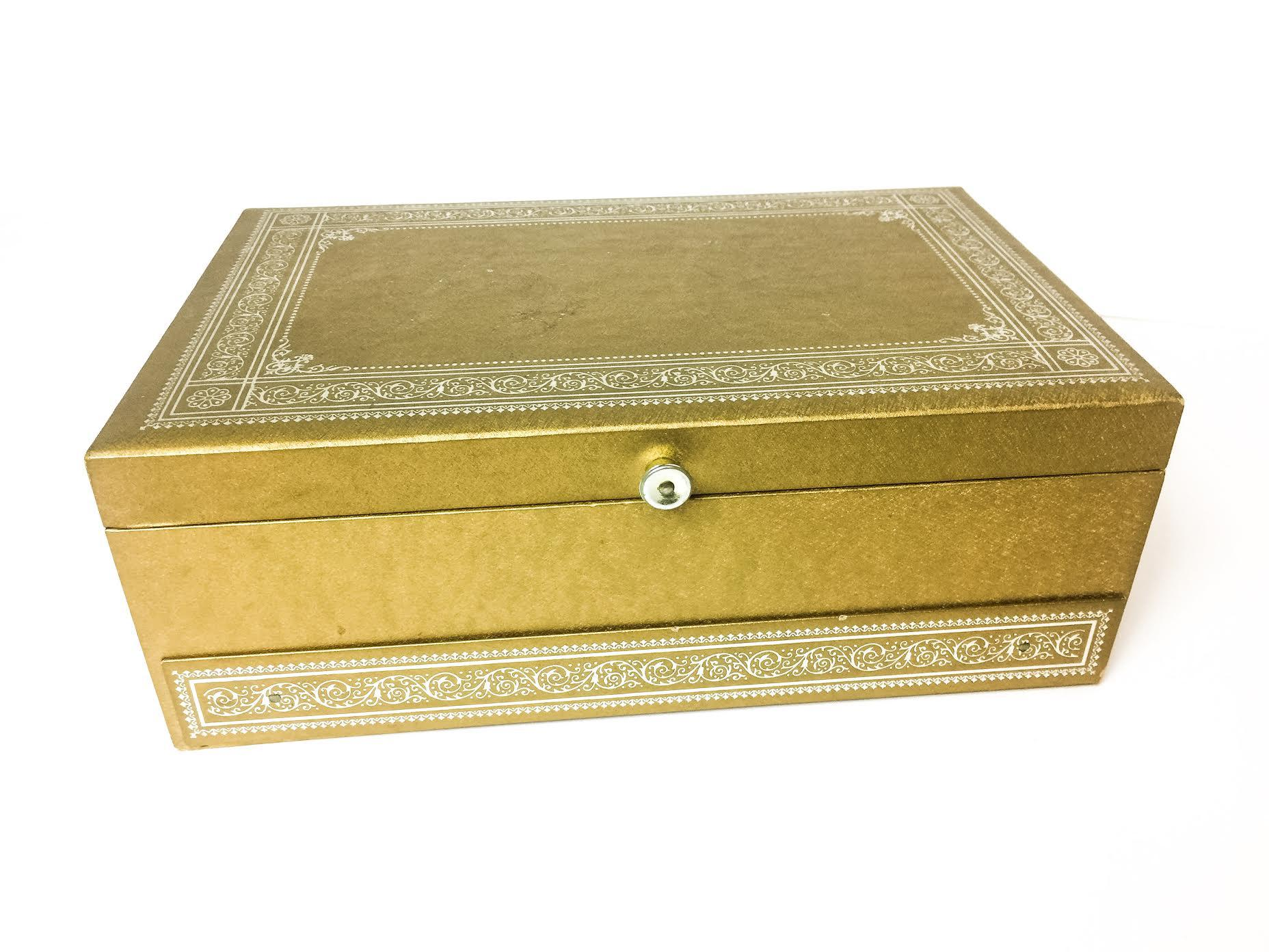 1960s Vintage Lady Buxton Jewelry Box Chairish