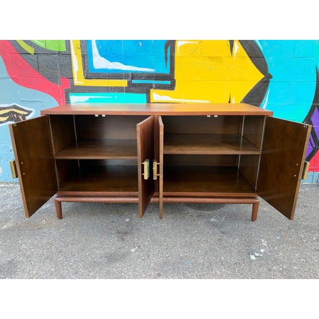 Monteverdi-Young Mid-Century Modern Credenza Chest by Monteverdi Young For Sale - Image 4 of 6