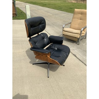 Mid-Century Modern Rosewood Plycraft Eames-Style Lounge Chair Preview