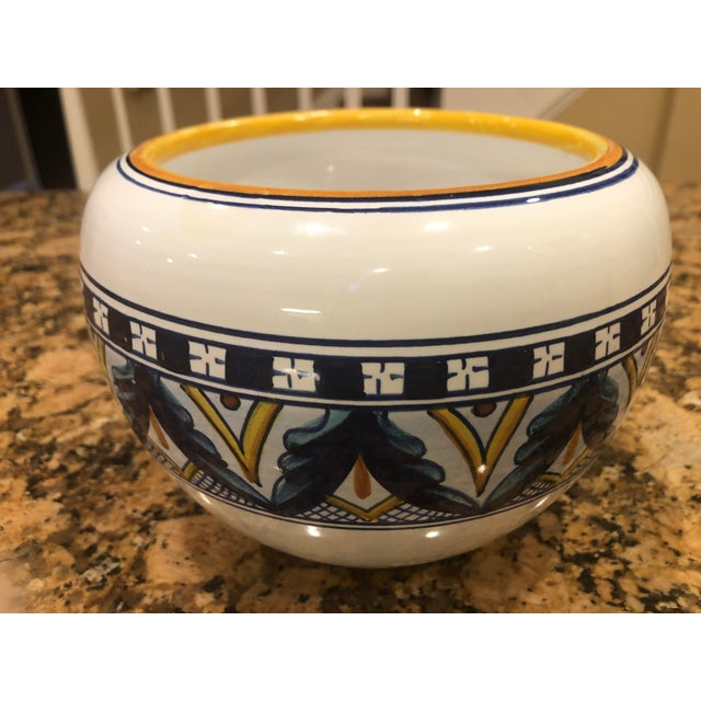 Vintage 1970s Amano Franco Mari Deruta Italian Signed Hand Painted Dip Pottery Planter For Sale - Image 9 of 9