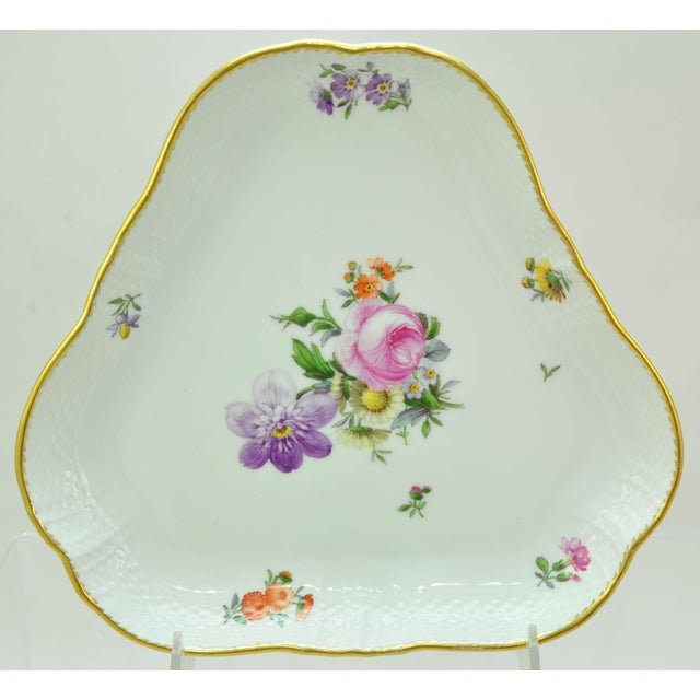 Royal Copenhagen Saxon Flower 1221 Triangle Cake Dish For Sale In Boston - Image 6 of 6