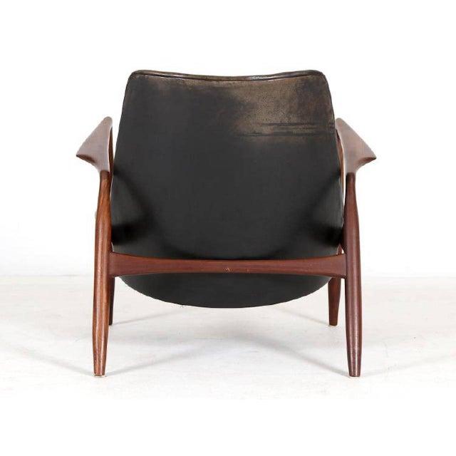 "Mid-Century Modern 1950s Vintage Ib Kofod Larsen, ""Seal"" Chair For Sale - Image 3 of 5"