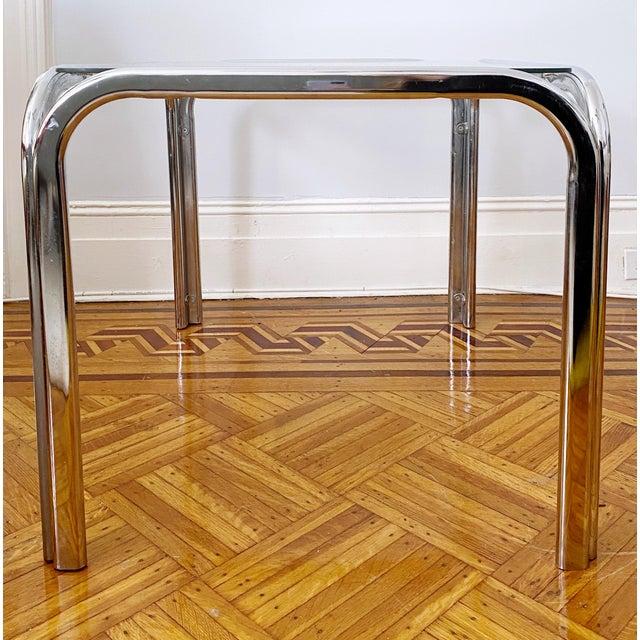 Mid-Century Modern Vintage 1970s Modern Milo Baughman Style Tubular Chrome Side Table For Sale - Image 3 of 9