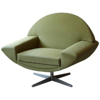 Johannes Andersen 'Capri' Green Swivel Lounge Chair for Trensums, Denmark, 1960s For Sale