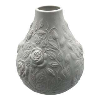 Royal Kpm Porzellan White Vase With Flower Relief Detail For Sale