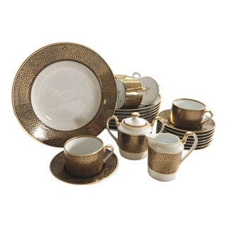 Fitz and Floyd Shagreen Gold (Made in Japan) Lunch Set for 8 For Sale