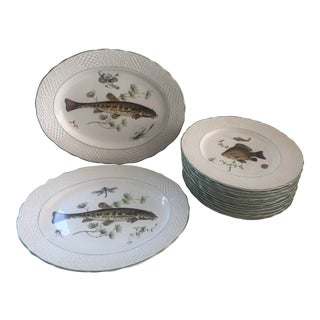 Marlborough Old English Ironstone by Simpsons Potters Fish Serving Set - 14 Piece Set For Sale