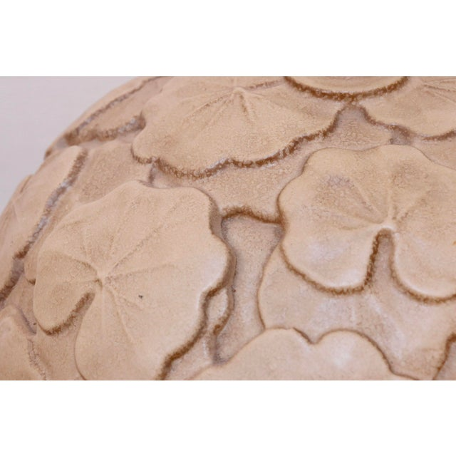 1960s Neutral Hand Made Ceramic Lily Pad Lamp For Sale - Image 5 of 7