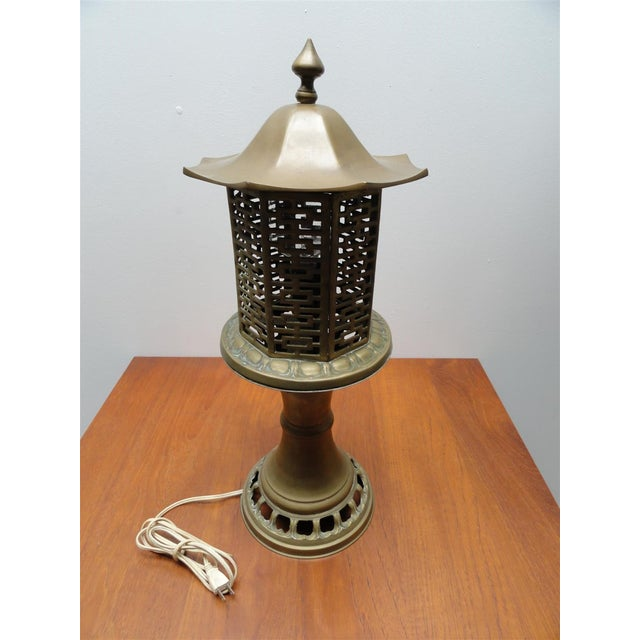 Asian Mid-Century Chinese Style Solid Brass Table Lamp For Sale - Image 3 of 8