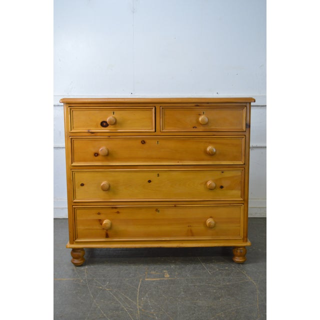 2000s Wexford Collection Country Pine 2 Over 3 Chest of Drawers For Sale - Image 5 of 13