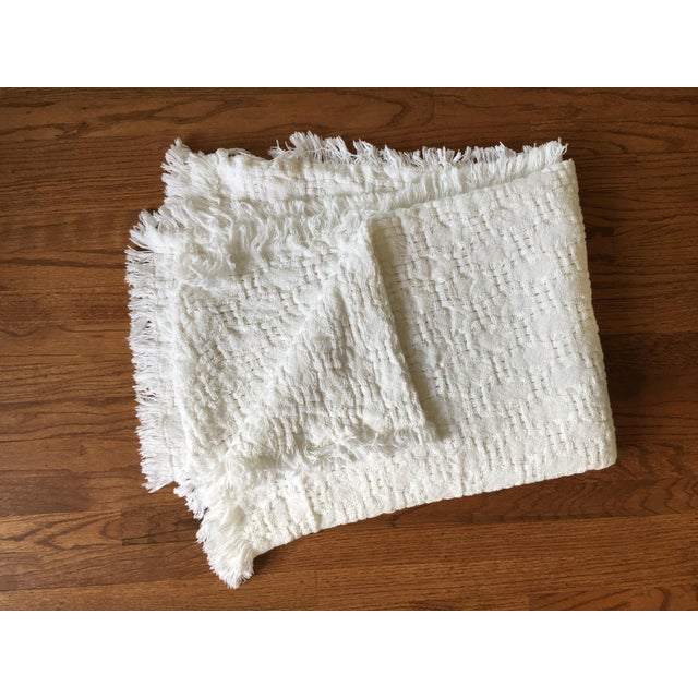 Handwoven White Basketweave Throw - Image 2 of 4