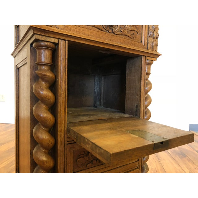 Late 19th Century Antique English Oak Carved Glass Top Small Cabinet For  Sale - Image 10 - Late 19th Century Antique English Oak Carved Glass Top Small Cabinet