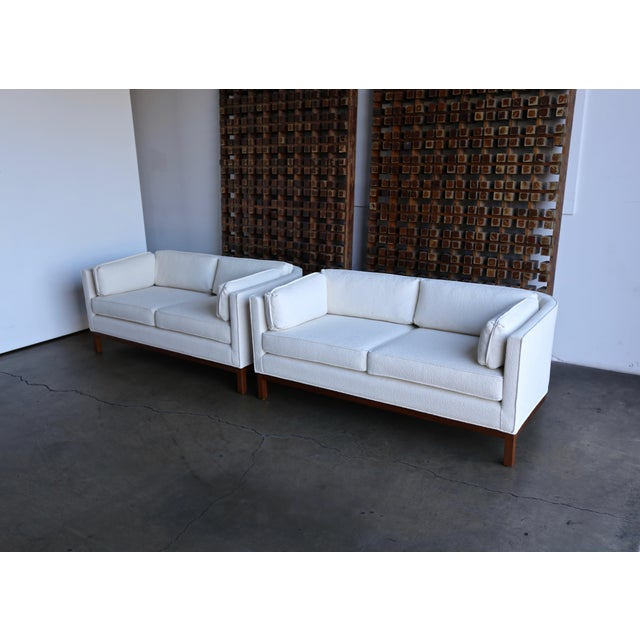 White 1960 Roger Sprunger for Dunbar Curved Back Settees - a Pair For Sale - Image 8 of 13