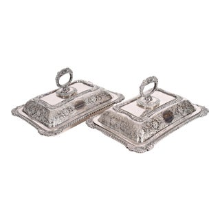 English Pair of Silver Plated Tableware Serving Dishes For Sale