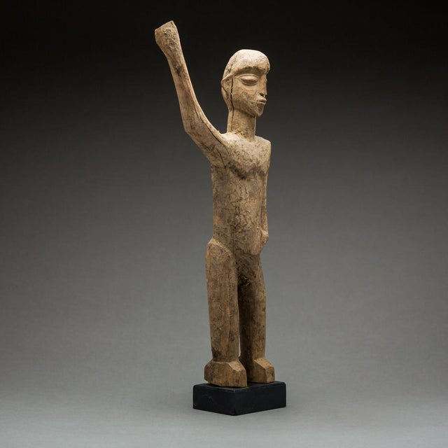 African Lobi Sculpture of a Man With Upraised Arm For Sale - Image 3 of 5