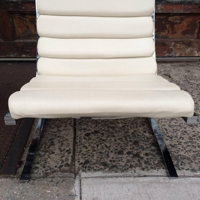 White 1970s Vintage Design Institute of America Chrome Cantilever Lounge Chairs- A Pair For Sale - Image 8 of 10