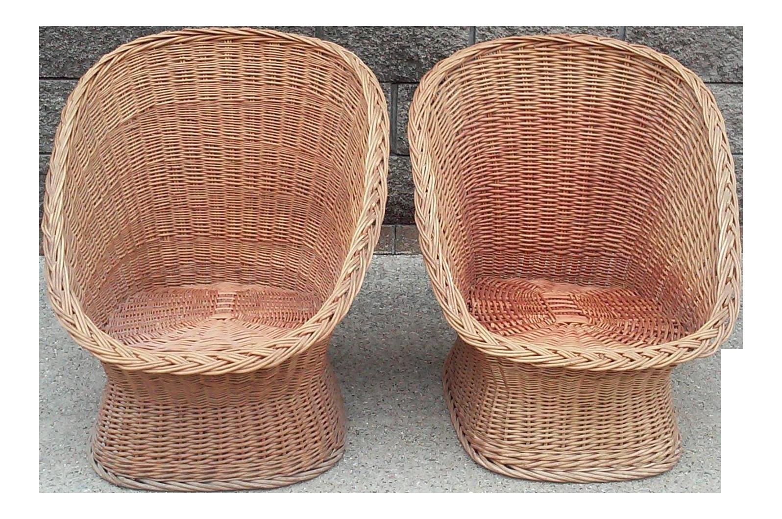 Ordinaire 1960u0027s Vintage Wicker Scoop Chairs  A Pair