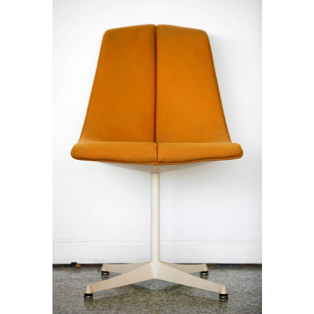 Mid-Century Modern 1960s Vintage Richard Schultz for Knoll Side Chairs- a Pair For Sale - Image 3 of 8