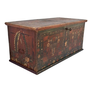 Pine Blanket Chest in Original Decorative Paint For Sale