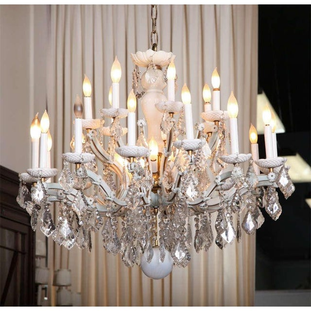 French Early 20th Century White Glass Maria Theresa Style Chandelier For Sale - Image 3 of 9
