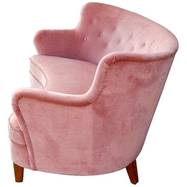 Mid-Century Modern 1940s Vintage Swedish Art Moderne Wing Backed Sofa in Rose Velvet For Sale - Image 3 of 7