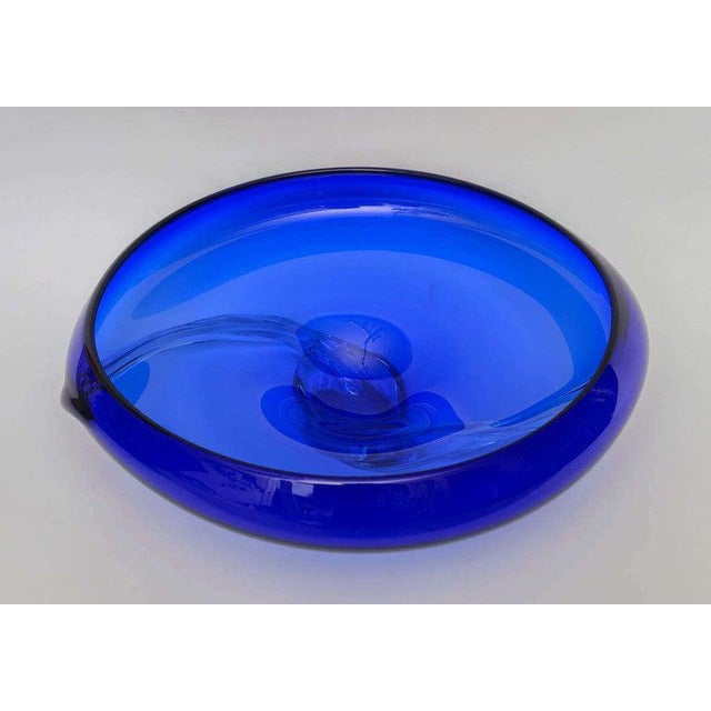 Beautiful Murano glass cobalt blue bowl signed by Mauro Becchini, 1992