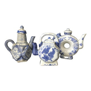 1980s Chinese Blue and White Porcelain Teapots - Set of 3 For Sale