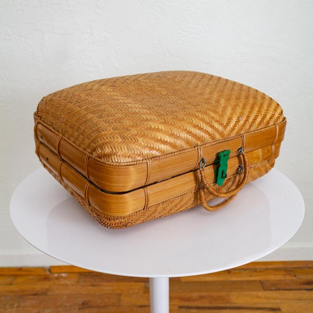 Japanese Bamboo Suitcase Basket Decorative Storage | Mao Period For Sale - Image 9 of 10