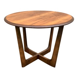 1960s Mid-Century Modern Heywood-Wakefield Style Lamp Table For Sale
