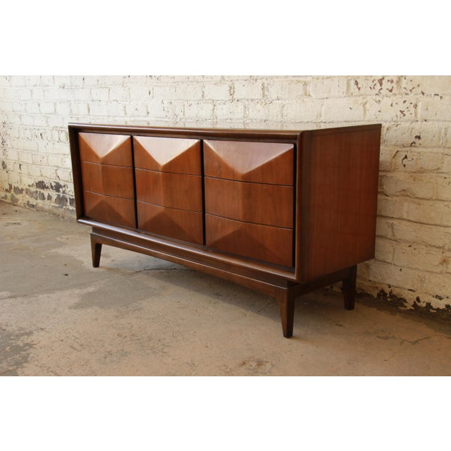 United Furniture Mid-Century Modern Diamond Front Dresser - Image 3 of 8