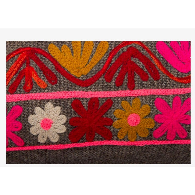 Vintage Red & Pink Embroidered Bench - Image 4 of 4
