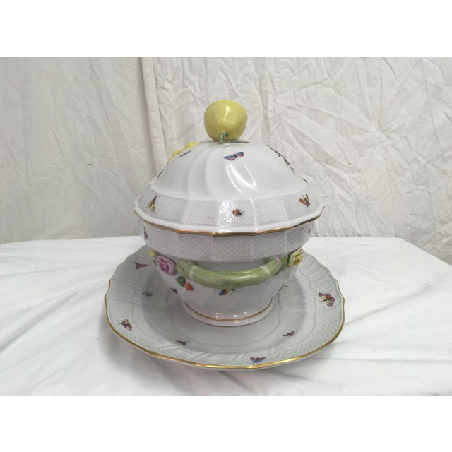 Herend Rothschild Tureen W/ Underplate For Sale In Atlanta - Image 6 of 13