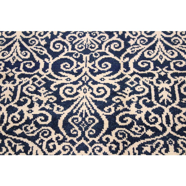 2010s Cryena Modern Yajaira Blue/Ivory Wool & Viscouse Rug - 5'0 X 7'0 For Sale - Image 5 of 8