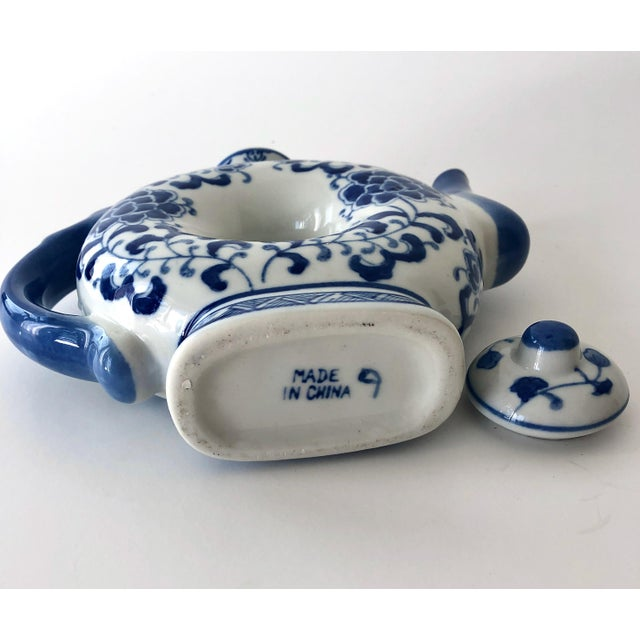 Round Teapot in Blue and White Chinoiserie For Sale - Image 9 of 11
