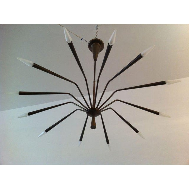 1960s Oscar Torlasco for Lumi Futurist Brass Sputnik Chandelier For Sale In New York - Image 6 of 10