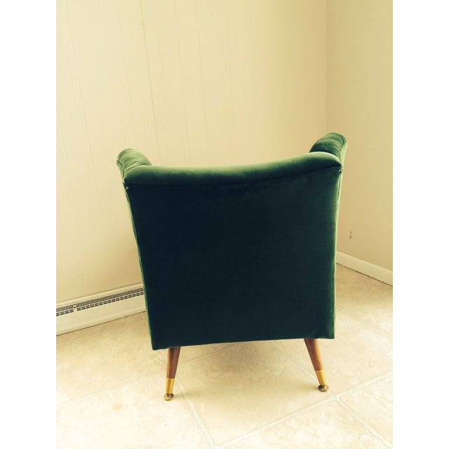 Mid-Century Emerald Green Velvet Chair For Sale - Image 4 of 7