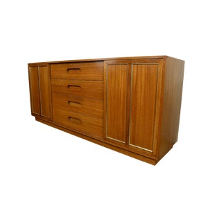 1950s Mid-Century Modern Harvey Probber Credenza Sideboard For Sale