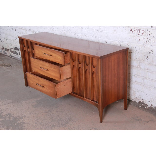 Kent Coffey Perspecta Sculpted Walnut and Rosewood Credenza For Sale In South Bend - Image 6 of 11