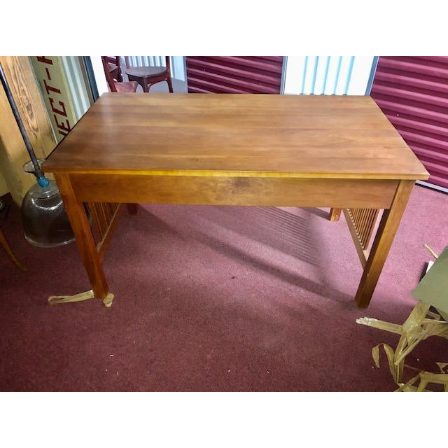 Gorgeous mission collection spindle desk in wonderful condition. Great color and structure. 2 drawers.