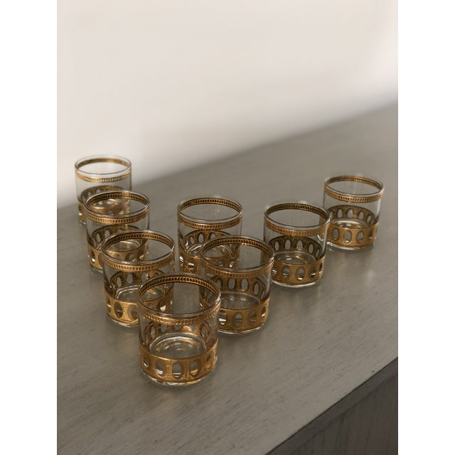 Metal Anitigua 22k Culver Old Fashioned Cocktail Glasses With Vintage Brass Tray - Set of 9 For Sale - Image 7 of 13