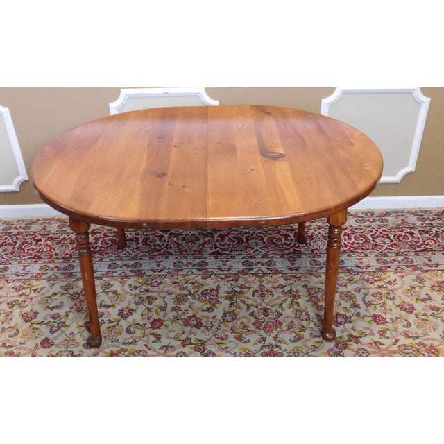 Country Classic Colonial Style Knotty Pine Oval Dining Table For Sale - Image 3 of 10
