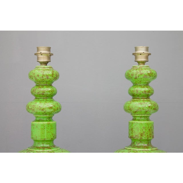 Mid-Century Modern Pair of Green Ceramic Table Lamps, 1970s For Sale - Image 3 of 6