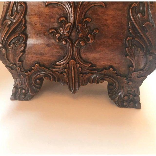 Maitland - Smith 1990s Maitland-Smith Carved Mahogany Hinged Tea Caddy Box For Sale - Image 4 of 13