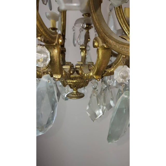 20th Century Italian Gilded Bronze and Crystals Chandelier For Sale - Image 6 of 8