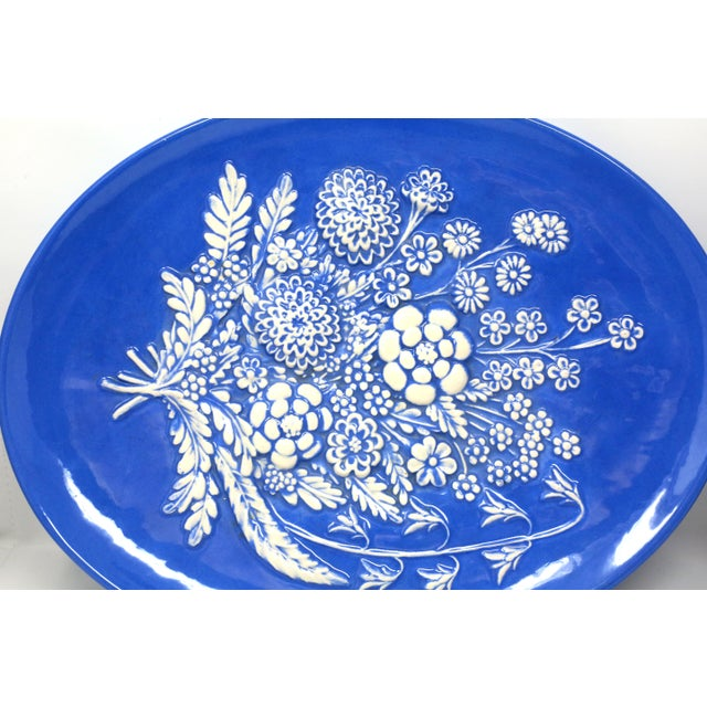 1970s Vintage Blue and White Embossed Flowers Plates - Set of 2 For Sale - Image 5 of 10
