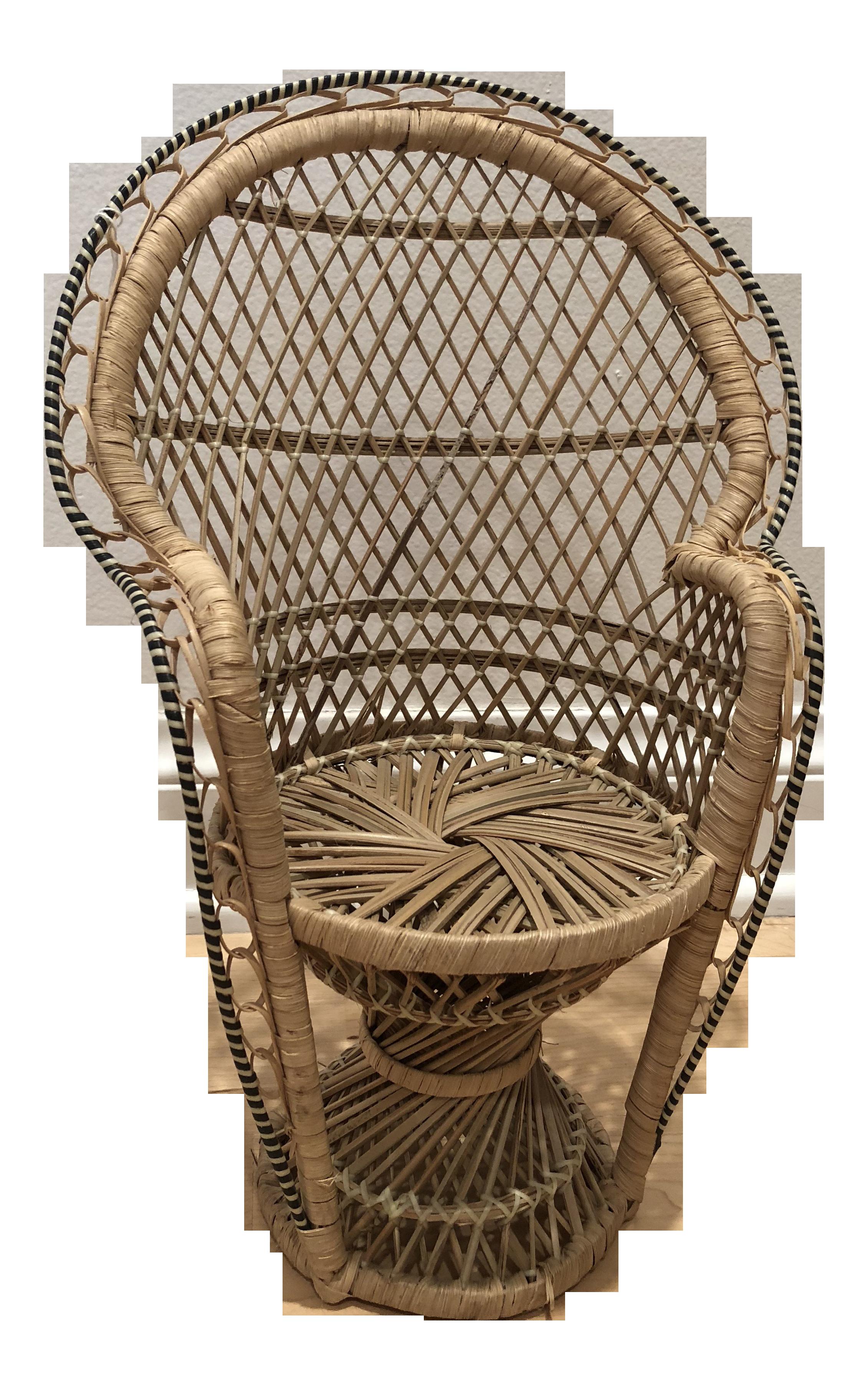 Merveilleux 20th Century Boho Chic Mini Rattan Peacock Chair